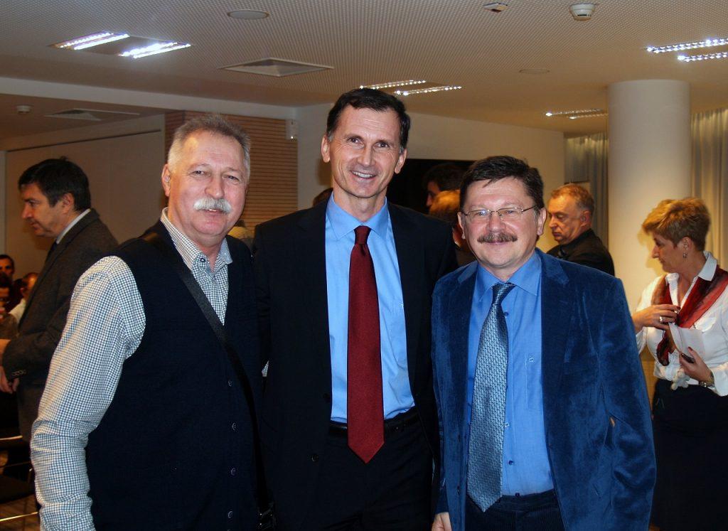 Predsjednik NSZSŠH Branimir Mihalinec, dr. sc. Dragan Primorac i predsjednik Velikog vijeća Vilim Ribić
